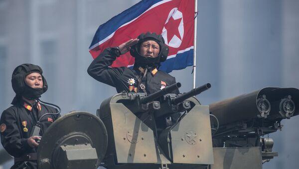 """Groźbami pod adresem Korei Północnej Donald Trump, który obiecał Pjongjangowi """"ogień i wściekłość"""", zwiększa ryzyko ewentualnego konfliktu zbrojnego - Sputnik Polska"""