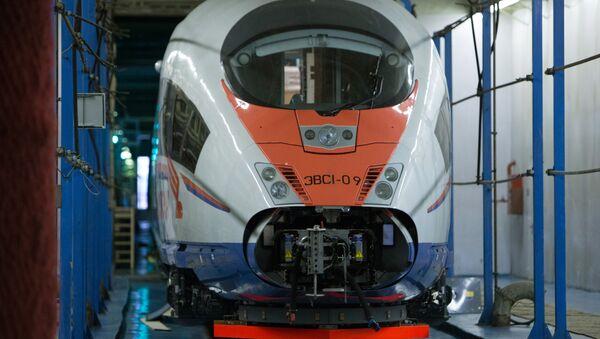 Nowy pociąg Sapsan w zajezdni Mietallostroj w Petersburgu - Sputnik Polska