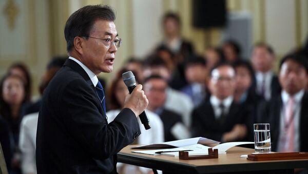 Orędzie prezydenta Korei Południowej Moon Jae-in z okazji pierwszych 100 dni, jakie minęły od objęcia przez niego urzędu - Sputnik Polska