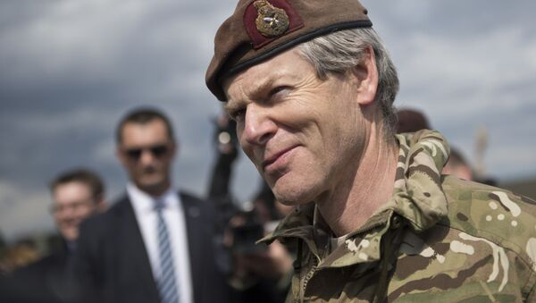 Zastępca dowódcy połączonych sił NATO w Europie, brytyjski generał Adrian Bradshaw - Sputnik Polska