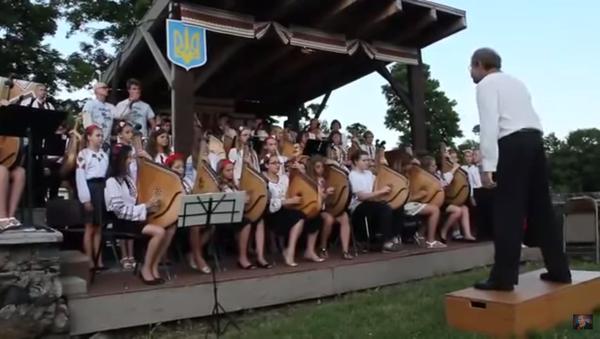"""Ukraińskie dzieci śpiewają """"Hymn bojowych ukropów"""" - Sputnik Polska"""