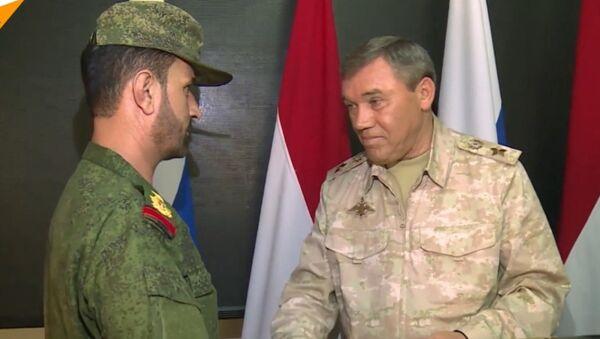 Rosjanie nagrodzili syryjskiego generała - Sputnik Polska