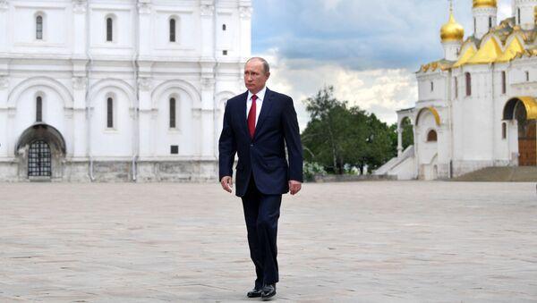 Prezydent Rosji Władimir Putin na Kremlu - Sputnik Polska