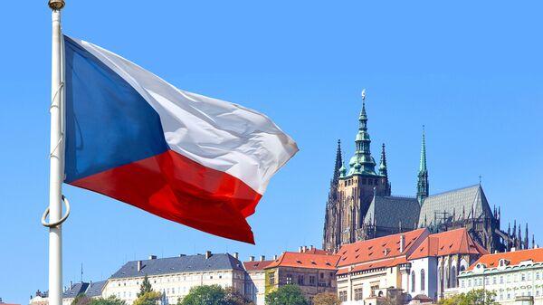 Czeska flaga w historycznym rejonie Pragi - Sputnik Polska