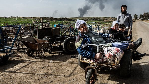 Praca włoskiego fotografa Alessandro Rota z cyklu Operacja w Mosulu, Irak - Sputnik Polska