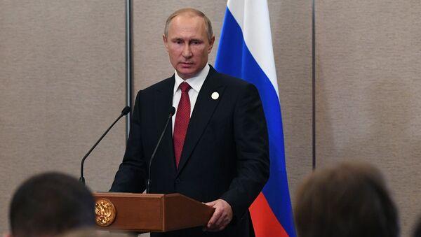 Prezydent Rosji Władimir Putin podczas konferencji prasowej w Xiamen - Sputnik Polska