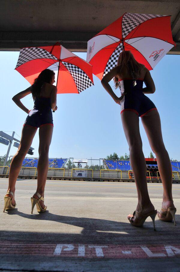 Hostessy podczas Grand Prix w Czechach - Sputnik Polska