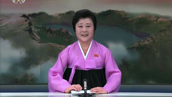 Północnokoreańska prezenterka telewizyjna Ri Chun Hi - Sputnik Polska