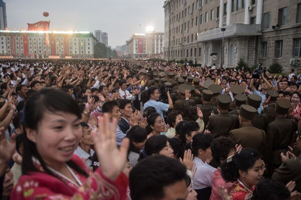 Mieszkańcy Pyongyangu świętują udane testy bomby wodorowej w Korei Północnej - Sputnik Polska