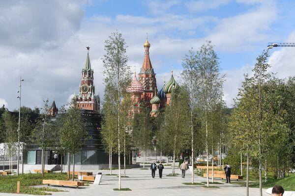 """W styczniu 2012 roku podjęto decyzję o utworzeniu parku na miejscu zburzonego hotelu """"Rosja"""" z atrakcjami. - Sputnik Polska"""