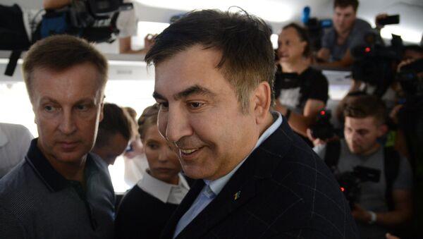 Michaił Saakaszwili w wagonie pociągu na dworcu polskiego Przemyśla. - Sputnik Polska