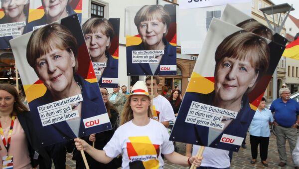 Zwolennicy niemieckiej kanclerz Angeli Merkel - Sputnik Polska
