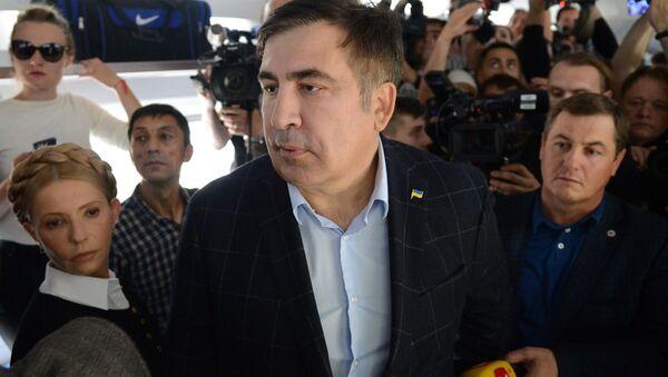 Były prezydent Gruzji, były gubernator obwodu odeskiego Micheil Saakaszwili w wagonie pociągu na dworcu kolejowym w Przemyślu - Sputnik Polska