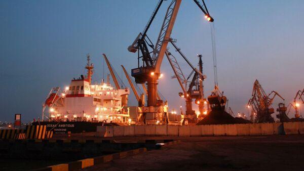 Судно Ocean Ambitious с энергетическим углем из США в порту Одессы - Sputnik Polska