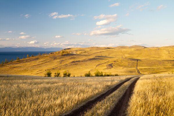 Północna część wyspy Olchon. Droga do przylądka Choboj. - Sputnik Polska