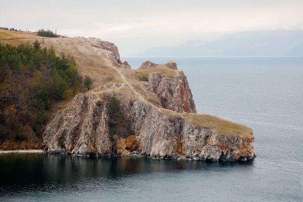 Przylądek Sagan-Chuszun (Biały przylądek po buriacku) na wyspie Olchon. - Sputnik Polska