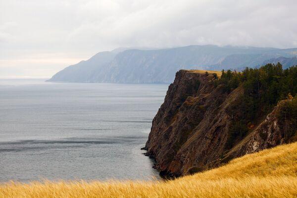 Widok na Bajkał z wyspy Olchon. - Sputnik Polska