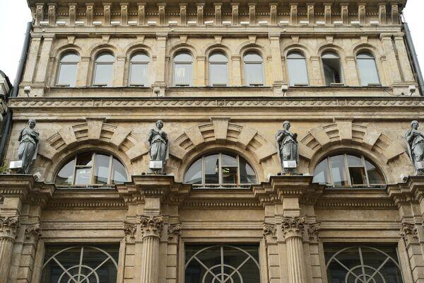 Budynek apteki V. Ferreina zbudowany w latach 1890. przy ulicy Nikolskiej. Obecnie jest pomnikiem historii i kultury. - Sputnik Polska