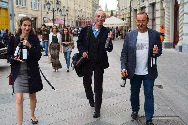 Turyści spacerują ulicą Nikolską. - Sputnik Polska