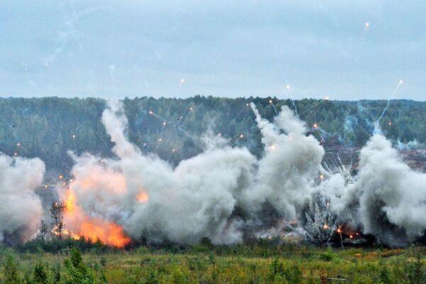 Ćwiczenia wojskowe w obwodzie leningradzkim - Sputnik Polska