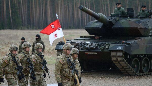 Uroczystość powitania wielonarodowego batalionu NATO pod przywództwem Stanów Zjednoczonych w Polsce - Sputnik Polska