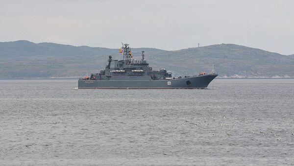 "Duży okręt desantowy Floty Północnej ""Aleksander Otrakowski"" - Sputnik Polska"