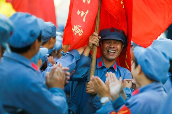 Rekonstrukcja Długiego Marszu Chińskiej Armii Czerwonej w prowincji Jiangxi - Sputnik Polska