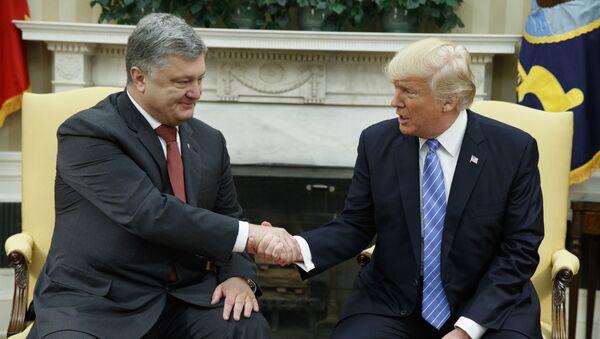 Prezydent Ukrainy Petro Poroszenko i prezydent USA Donald Trump - Sputnik Polska