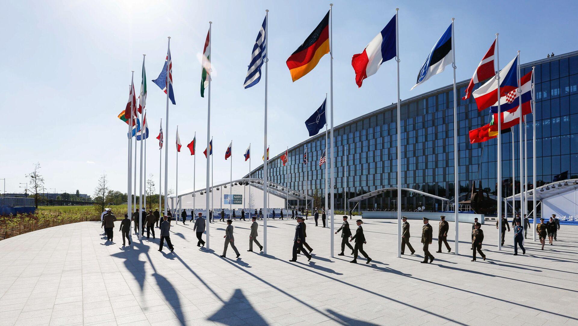 W kuluarach szczytu NATO w Brukseli - Sputnik Polska, 1920, 21.03.2021