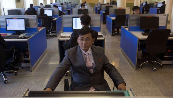 Studenci w pracowni komputerowej w Uniwersytecie im. Kim Ir Sena. Pjongjang, KRLD - Sputnik Polska