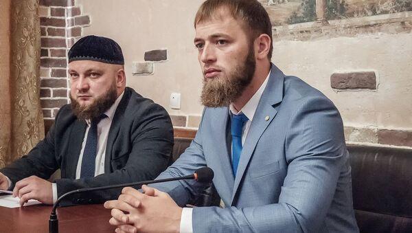 Minister do spraw młodzieży Czeczenii Isa Ibragimow - Sputnik Polska