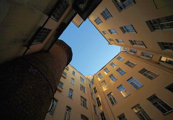 Dom aptekarza Wilhelma Pielja w Petersburgu którą nazywają Wieżą gryfów - właśnie tutaj aptekarz odkrył formułę szczęścia - Sputnik Polska