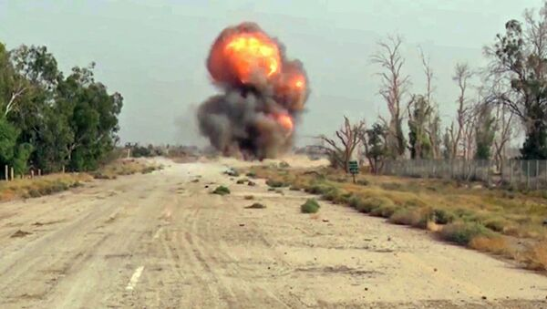 Likwidacja amunicji znalezionej przez specjalistów Międzynarodowego Ośrodka Przeciwminowego Sił Zbrojnych Rosji - Sputnik Polska