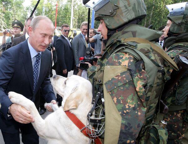 Władimir Putin podczas wizyty w Bałaszysze - Sputnik Polska