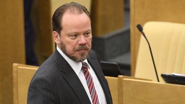 Wiceprzewodniczący Komisji Kultury Dumy Państwowej Rosji Aleksander Szołochow - Sputnik Polska