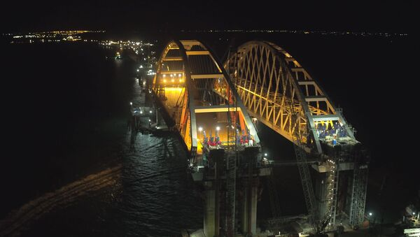 Łuk drogowy Mostu Krymskiego - Sputnik Polska