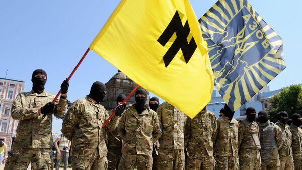 Członkowie batalionu Azow złożyli przysięgę na wierność Ukrainie w Kijowie przed wysłaniem do Donbasu - Sputnik Polska