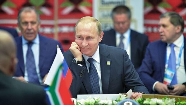 Prezydent Rosji Władimir Putin podczas spotkania z liderami krajów BRICS w wąskim gronie - Sputnik Polska