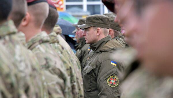 Amerykańscy i ukraińscy żołnierze na jaworowskim poligonie w obwodzie lwowskim - Sputnik Polska