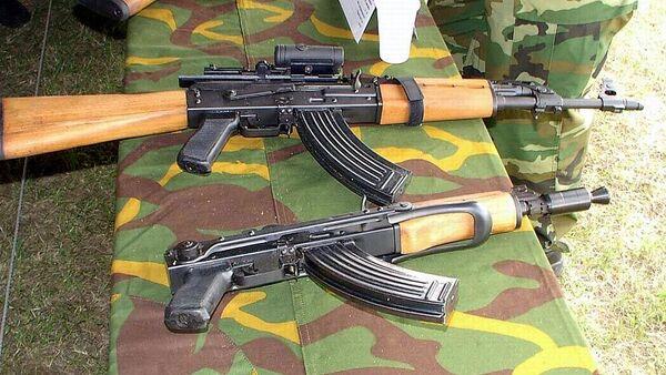 Karabin maszynowy Zastava M70B i Zastava M92 - Sputnik Polska