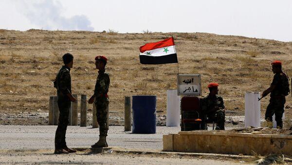 Syryjscy wojskowi w pobliżu miasta Dajr az-Zaur - Sputnik Polska