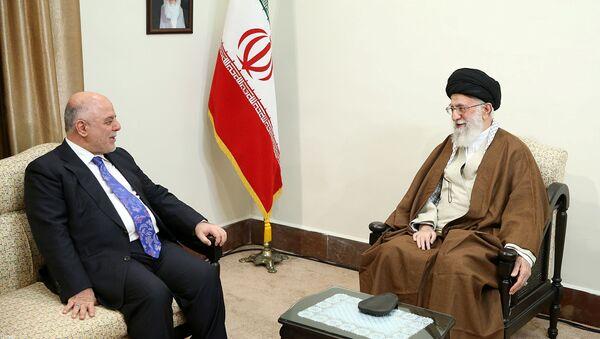 Premier Iraku Hajdar al-Abadi i najwyższy przywódca Iranu ajatollah Ali Chamenei na spotkaniu w Teheranie - Sputnik Polska