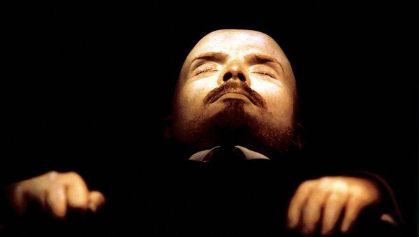 Бальзамированное тело В.И.Ленина в мавзолее в Москве - Sputnik Polska