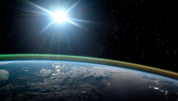 Ziemia w świetle księżycowym - Sputnik Polska