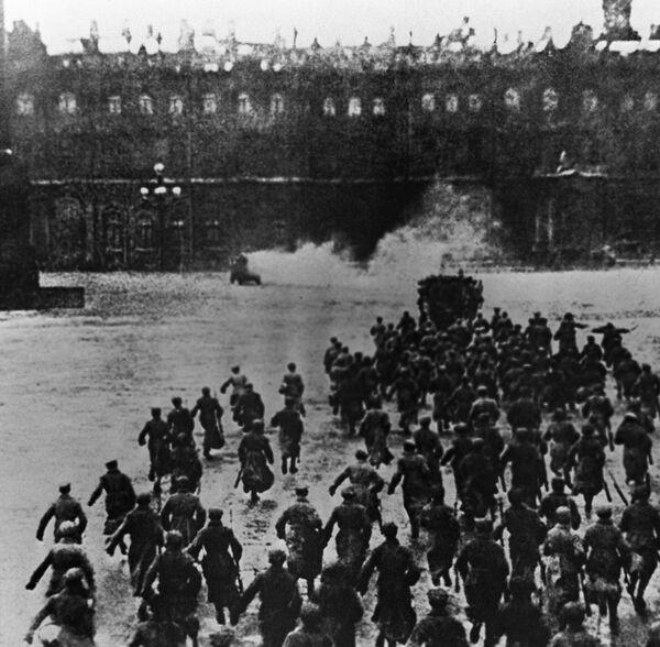 Archiwalne fotografie rewolucji październikowej, Piotrogród 1917 - Sputnik Polska