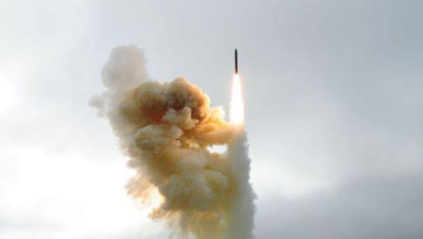 Start pocisku manewrującego systemu obrony przeciwrakietowej USA z bazy lotniczej Vandenberg w Kalifornii - Sputnik Polska
