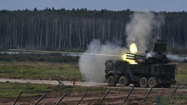 Rosyjski samobieżny przeciwlotniczy zestaw artyleryjsko-rakietowy Pancyr-S1 - Sputnik Polska