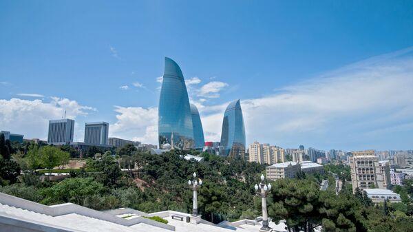 Здание парламента Азербайджана и Пламенные башни в Баку - Sputnik Polska