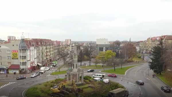 Demontaż Kolumny Zwycięstwa w Stargardzie - Sputnik Polska