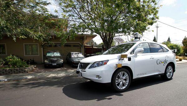 Bezzałogowy Lexus kompanii Google - Sputnik Polska